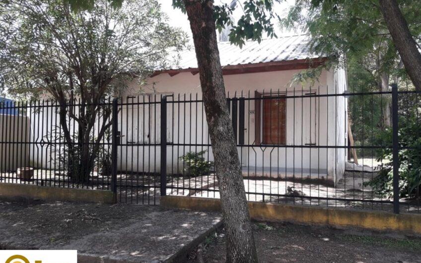 Casa 3 Dorm con Galpón.