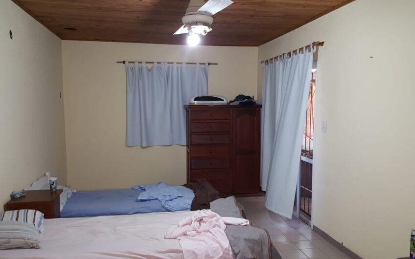 Casa con 2 Dorm.